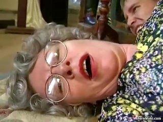 teini-ikäinen poppari porno blowjobs kadulla